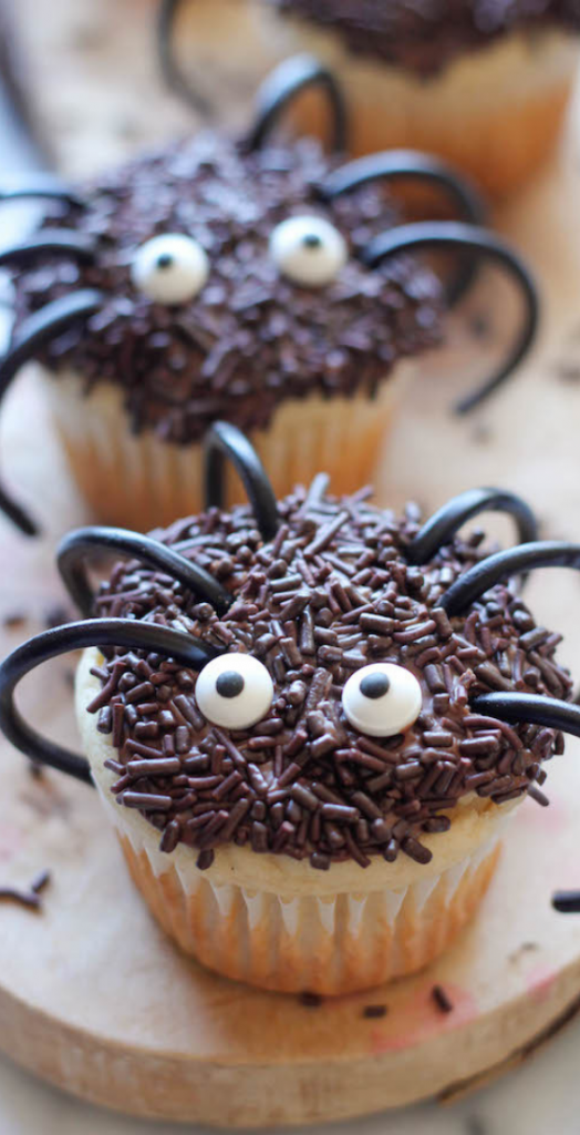 9 BEST halloween cupcake ideas, easy Halloween cupcake ideas for kids, scary Halloween cupcake ideas. Looking for the ULTIMATE Halloween cupcake ideas? In this simple guide, I will SHOW you 9 of the most spooktacular Halloween cupcakes that will scare and delight you at the same time. #halloween #cupcakes #halloweencupcakes #spooky #scary #halloweenideas #desserts #halloweendesserts