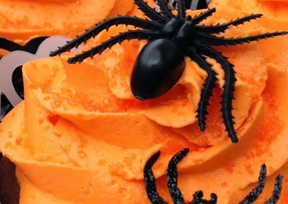 9 ultimate halloween cupcake ideas, easy Halloween cupcake ideas for kids, scary Halloween cupcake ideas. Looking for the ULTIMATE Halloween cupcake ideas? In this simple guide, I will SHOW you 9 of the most spooktacular Halloween cupcakes that will scare and delight you at the same time. #halloween #cupcakes #halloweencupcakes #spooky #scary #halloweenideas #desserts #halloweendesserts