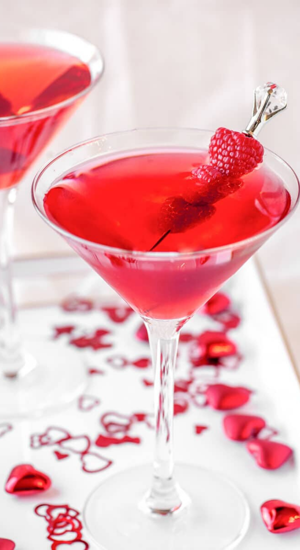 16 Romantic Valentine's Day Cocktails for Your Special Moments